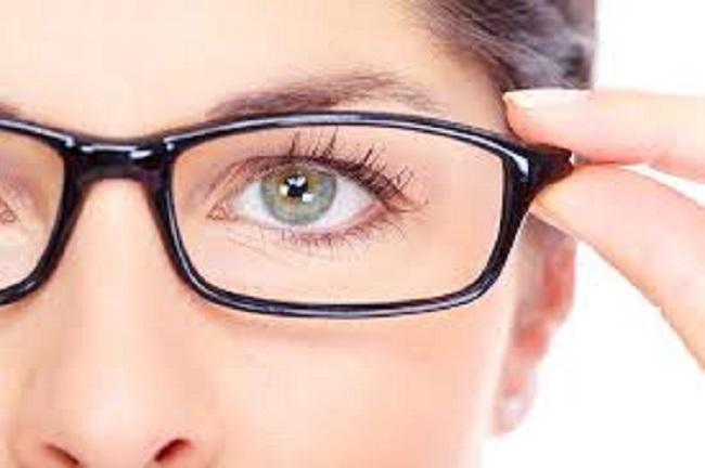 Người bị cận thị luôn phải lưu ý khi mổ mắt
