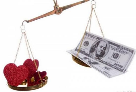 Rất nhiều người coi trọng tiền hơn những thứ tình cảm thiêng liêng